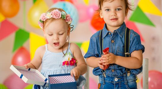 Op een kinderfeestje zijn er meestal wel gezondere hapjes om te geven aan je kind.